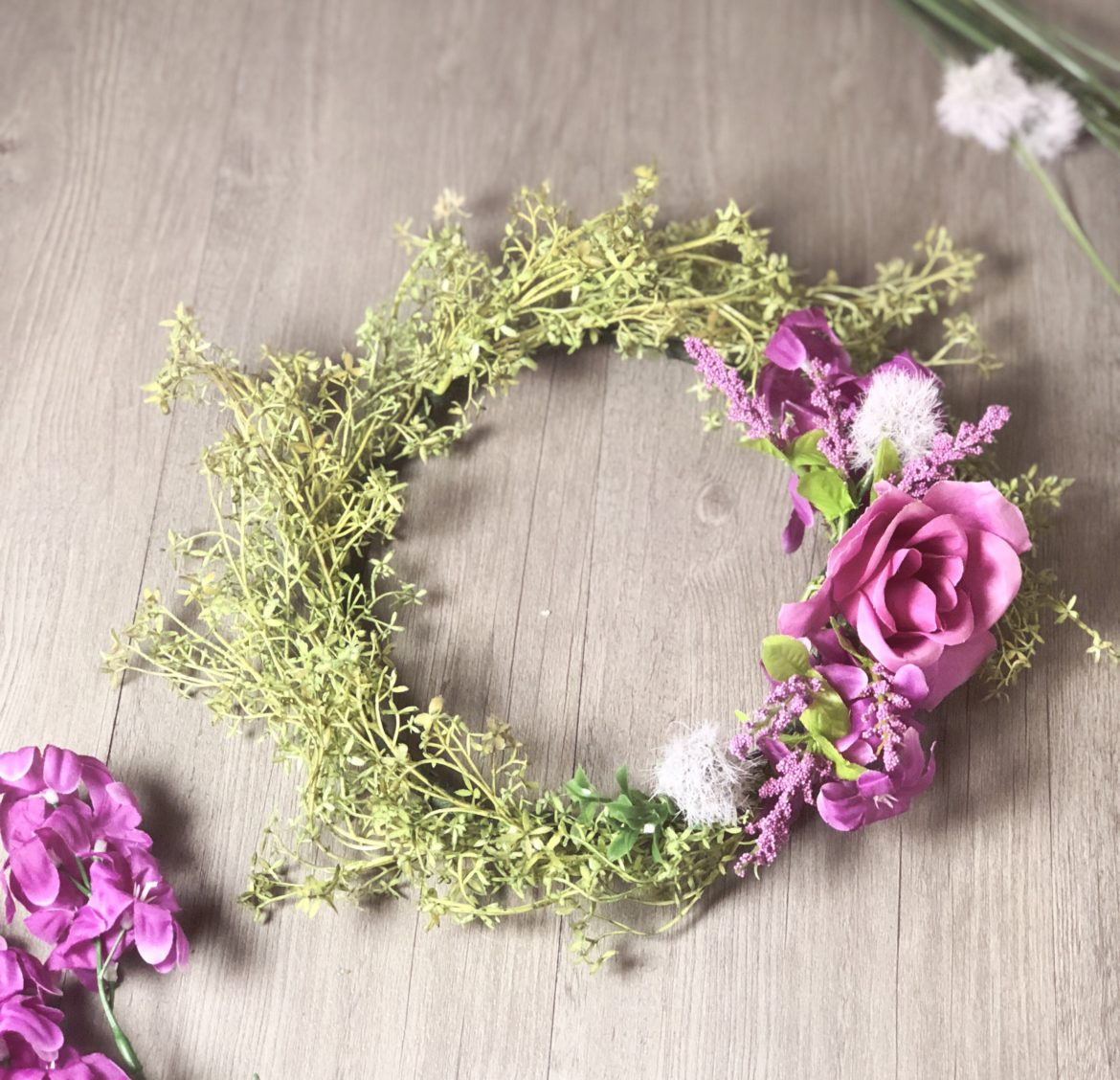 Diy floral crown diy bucket list diy floral crowns are so easy to make and they are a beautiful way to add next level pretty when you want to dress up this diy is super easy and you izmirmasajfo